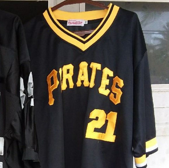 big sale eeeab bc65f Roberto clemente pirates jersey